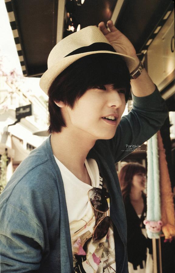Kang-Min-Hyuk-kang-min-hyuk-31000809-576-900